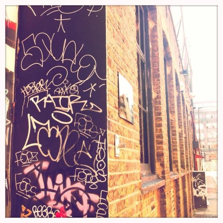 Terrible Examples of Graffiti - Tagging